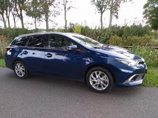 Toyota Auris Touring Sports 1.8 Hybrid Lease Pro (2015)