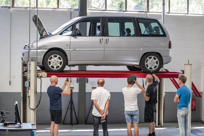 Peugeot 806 2.0-16V – 2001 – 781.579 km - Klokje Rond