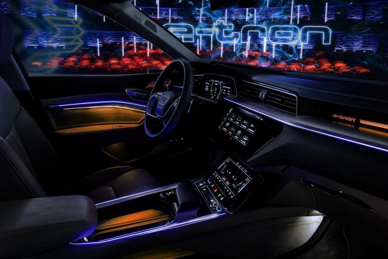 Nu vanbinnen: Audi e-tron