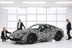 Porsche toont 911-992 in camouflagetrim