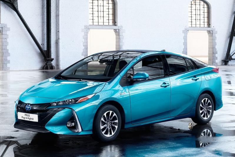 Toyota Prius 1.8 Plug-in Hybrid Business Plus (2017)