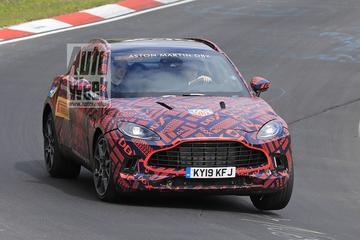 Aston Martin jaagt DBX over de 'Ring'