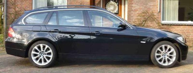 BMW 325i Touring Executive (2006)