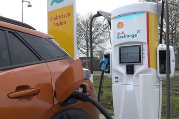 Shell plaatst 50.000 laadpunten in Britse straten
