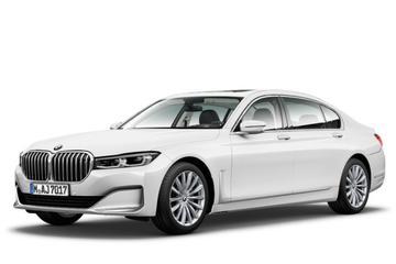 BMW 7-serie volledig op straat