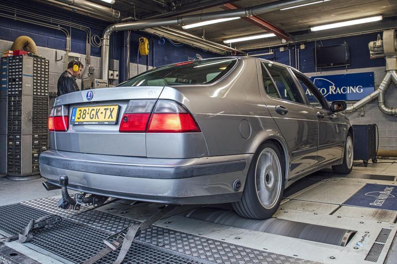 Saab 9-5 2.3t SE - Op de Rollenbank