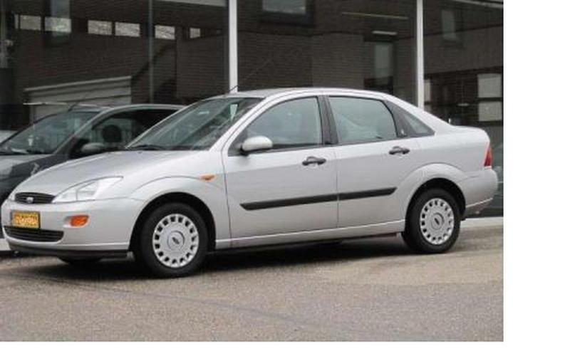 Ford Focus 1.6i 16V Ghia (1999)