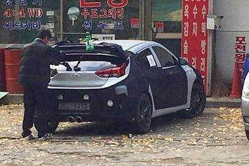 Nieuwe Hyundai Veloster toont achterste