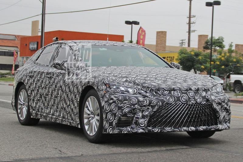 Lexus LS spyshots