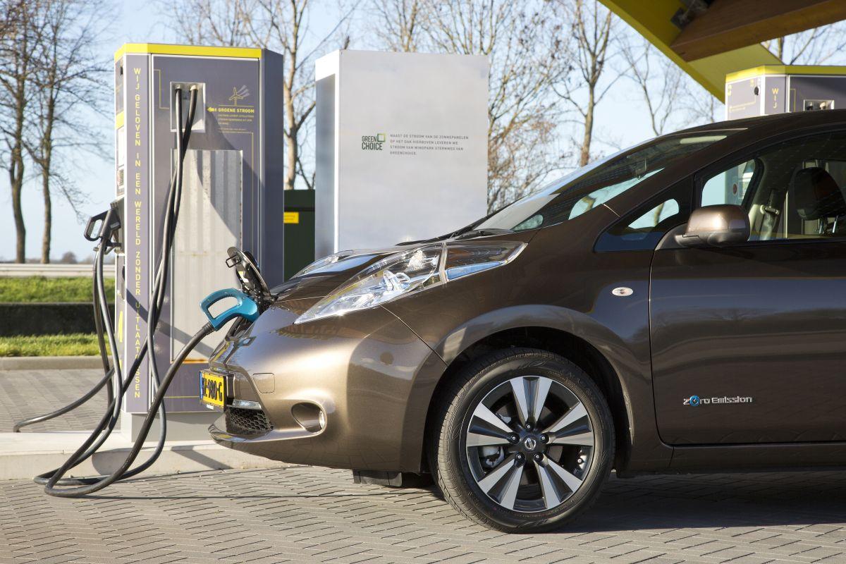 Proef Met Opladen Elektrische Auto In Daluren Autoweek Nl
