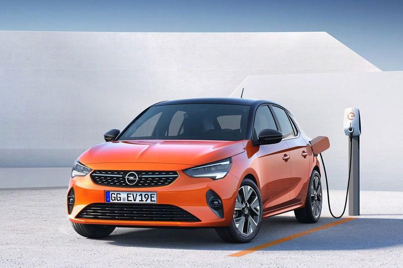 Opel Corsa gelekt