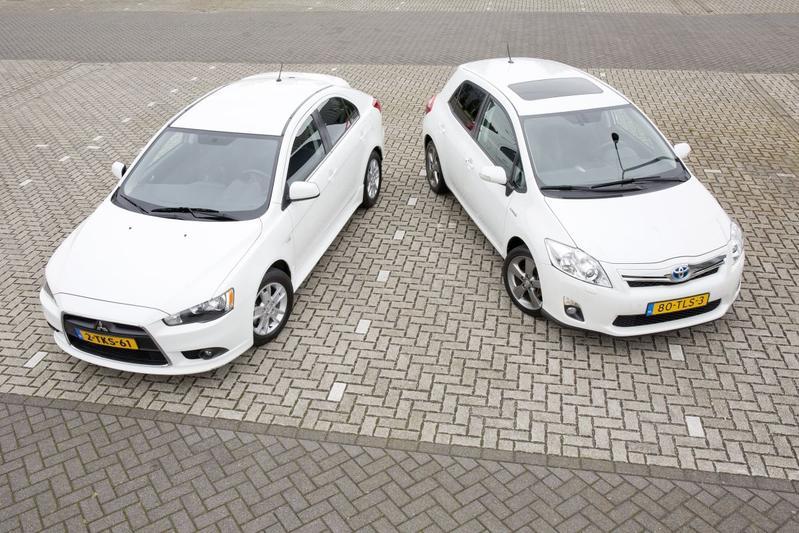 Toyota Auris - Mitsubishi Lancer