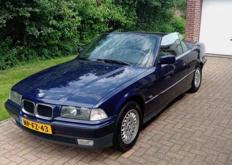 BMW 320i Cabrio (1996)