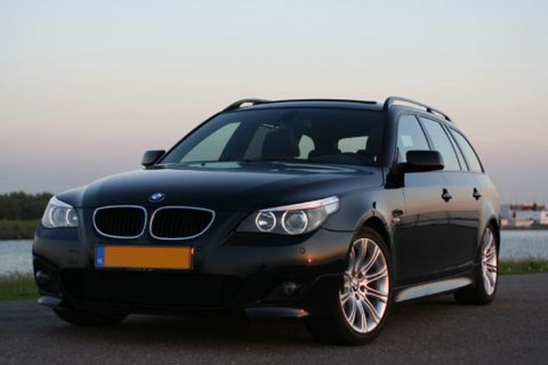 BMW 530d Touring Executive (2005)