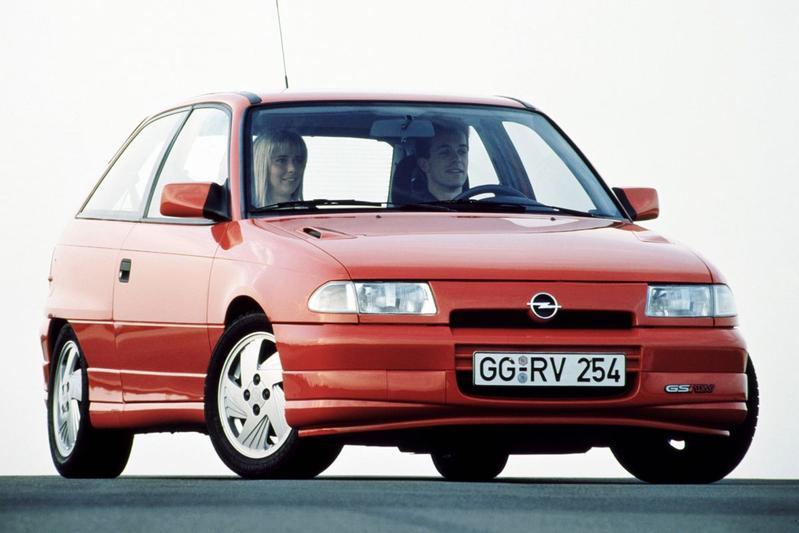 Opel Astra 2.0 GSi (1993)