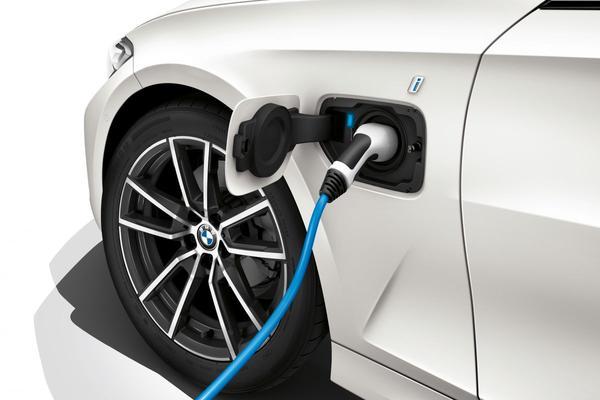 59 km elektrisch met BMW 3-serie plug-in