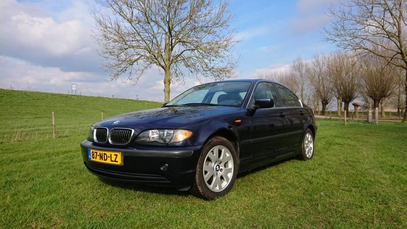 BMW 325i Executive (2002)