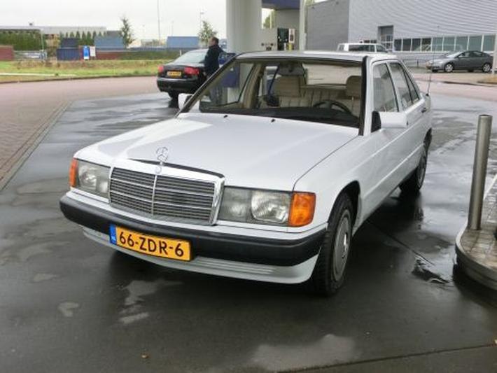 Mercedes-Benz 190 D 2.5 (1992)
