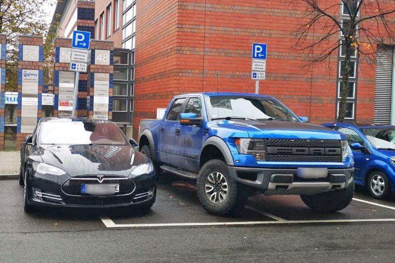 Laadpaal Iceing Tesla Ford Reptor Berlijn Hufter