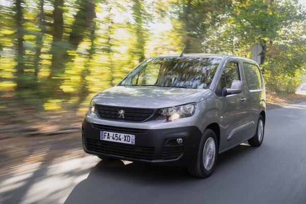 Ook Peugeot Partner krijgt benzinemotor