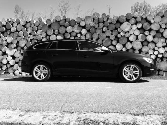 Volvo V60 D6 AWD Plugin-Hybrid Summum (2013)