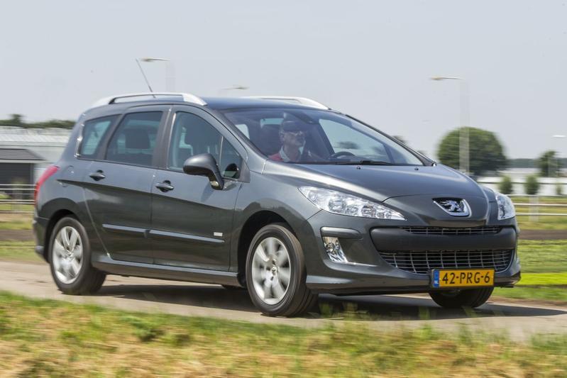 Kia Ceed Sporty Wagon - Peugeot 308 SW - Volkswagen Golf Variant