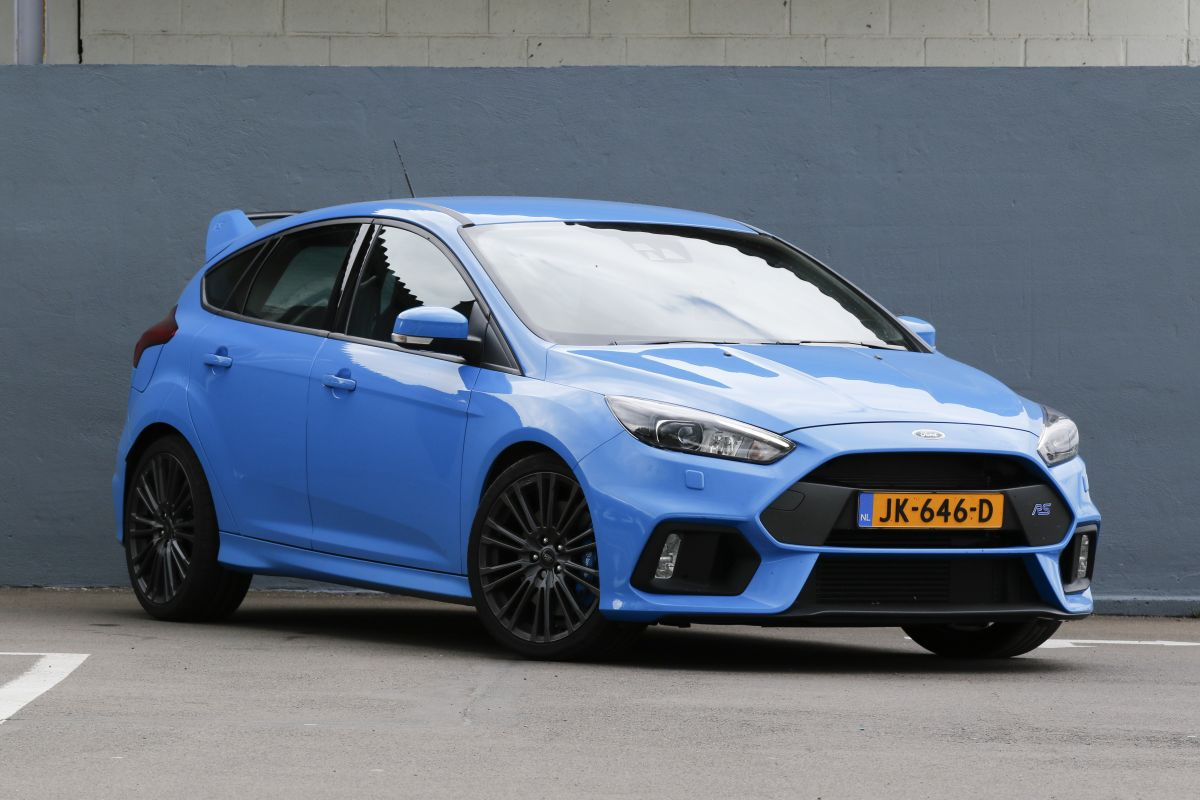 ford focus rs 2016 autotest. Black Bedroom Furniture Sets. Home Design Ideas