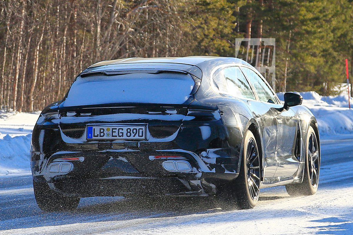 2020 - [Porsche] Taycan Sport Turismo Xj9ywl2bnx91