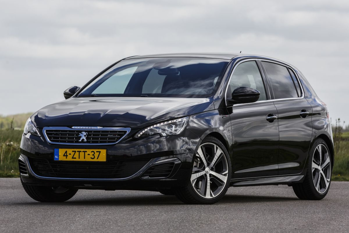 peugeot 308 gt 2 0 blue hdi 180 2015 autotest. Black Bedroom Furniture Sets. Home Design Ideas