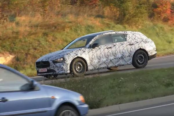 Betrapt: nieuwe Mercedes-Benz CLA Shooting Brake