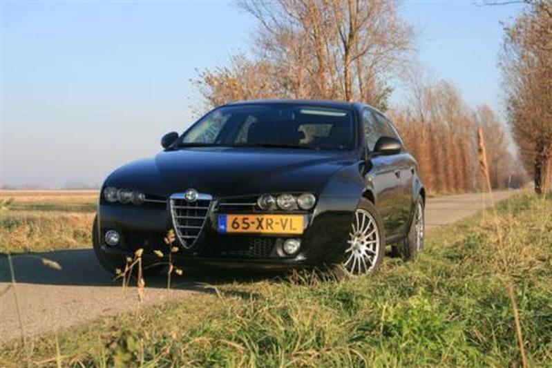 Alfa Romeo 159 Sportwagon 1.9 JTDm 16v Business (2007)