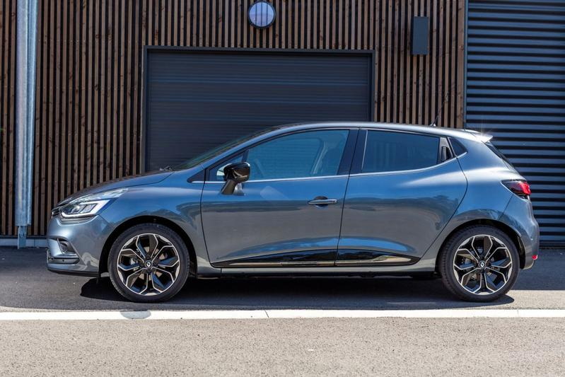 renault clio tce 90 energy intens 2018 review. Black Bedroom Furniture Sets. Home Design Ideas
