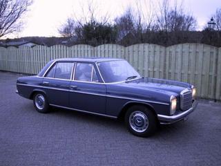 Mercedes-Benz Mercedes-Benz 230-6 (1972)