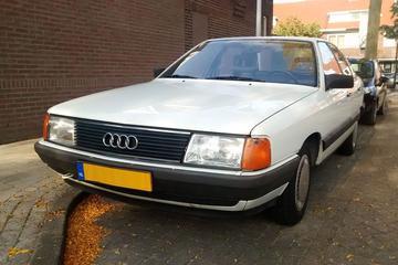 In het wild: Audi 100 (1983)