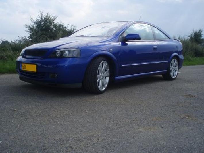 Opel Astra Coupé Turbo (2004)