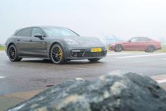 BMW M5 vs Porsche Panamera Turbo S E-Hybrid - Dubbeltest