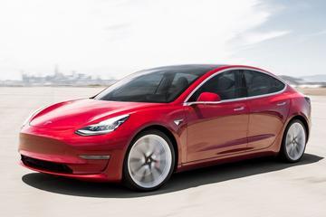Tesla Model 3 ook in de VS razend populair