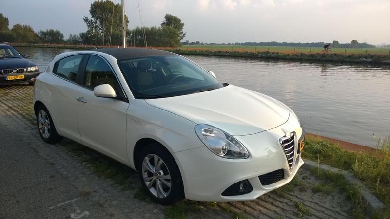 Alfa Romeo Giulietta 1.4 Turbo 120 Distinctive (2011)