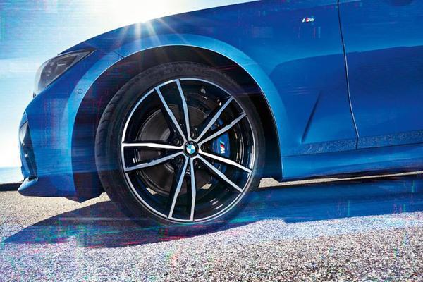 BMW laat stukjes 3-serie zien