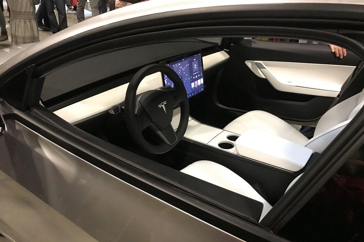 Land Rover Lease >> 'Geen ventilatieroosters voor Tesla Model 3' - AutoWeek.nl