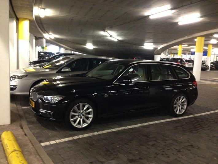 BMW 316i Touring Executive (2014)