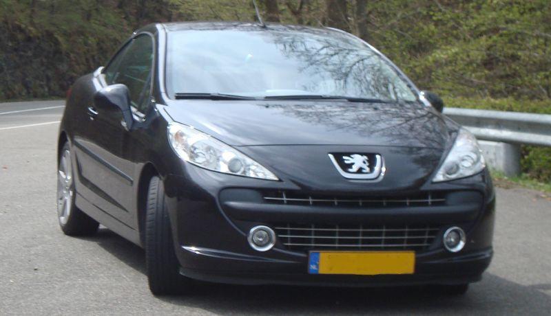Peugeot 207 CC Sport 1.6-16V Turbo (2007)