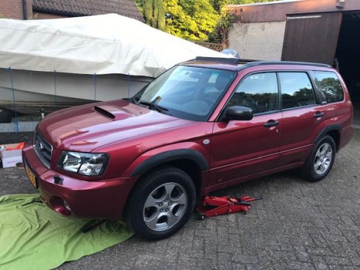 Subaru Forester 2.0 XT AWD (2004)