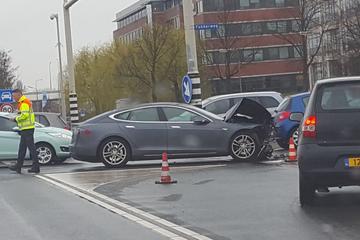 Is een elektrische auto veilig in het verkeer?