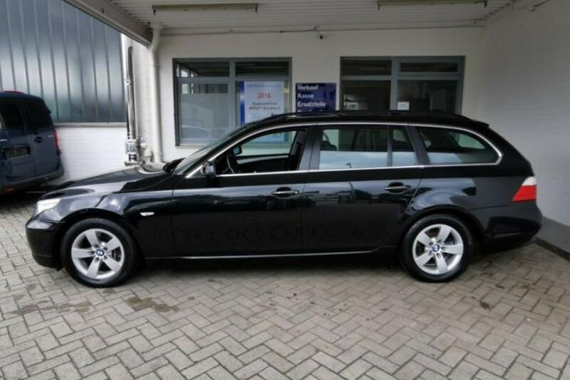 BMW 525i Touring High Executive (2009)