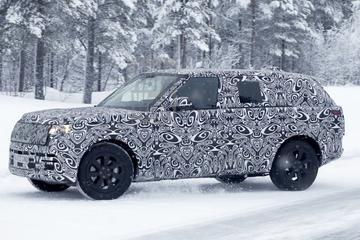 Land Rover stuurt Range Rover LWB de sneeuw in