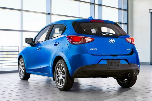 De Tweeling: Mazda 2 - Toyota Yaris - Scion iA