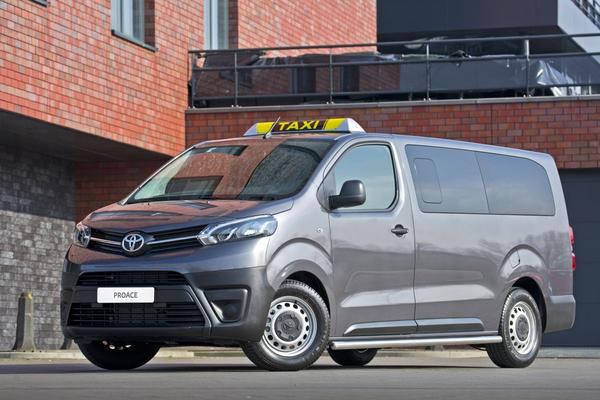 Toyota ProAce in Taxi-trim