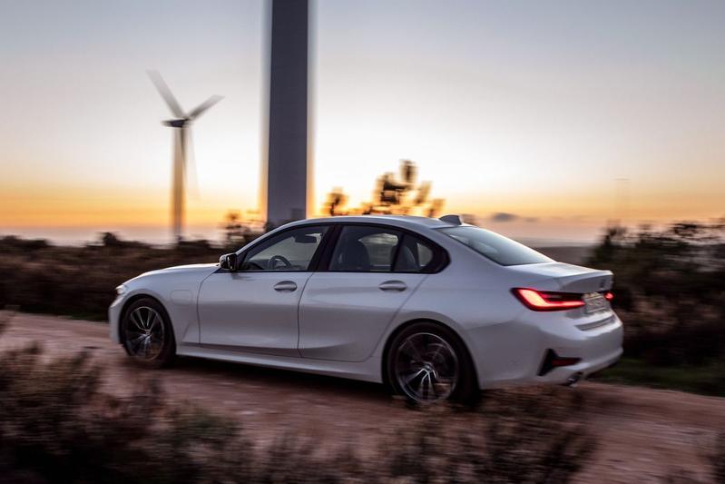 BMW 330E - Eerste rijtest