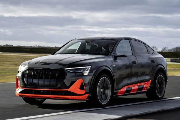 Audi E-tron S: drie motoren!